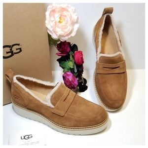 UGG | Atwater Spill Seam Wedge Loafer